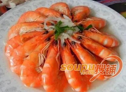1段子 国庆期间,外地的王先生赶到青岛想去吃38元一只的海捕大虾,因图片