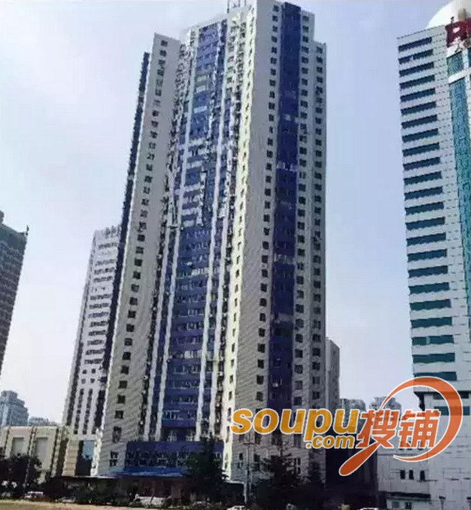 世奥大厦规划339米,将成北方第一高楼 据了解,2009年4月29日,上海世茂股份有限公司与青岛世奥房地产开发公司联合竞得市南区东海西路45号、47号,这两块地块分别为青岛市建委、排水管理处原办公用地。据最初规划,世奥大厦将成为集五星级酒店、智能写字楼、高端商业和住宅的超大规模的建筑集群,其中主楼部分将以339米的高度成为北方第一高楼。 2014年,青岛市环保局官方网站公布了《青岛世奥投资发展有限公司青岛世奥大厦建设项目变更环境影响评价信息公示》。根据规划,世奥大厦项目将建设1座59层的超高层综合塔楼