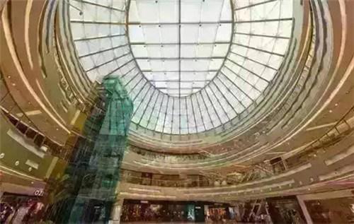 到欧式建筑风格-廊式立柱,半圆弧形的沿用,2015华美外立面盛装而待