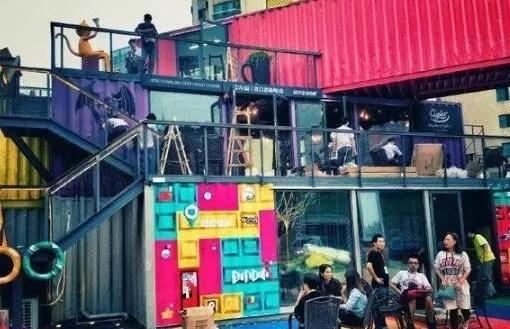 引用集装箱主题设计打破了千篇一律的商业建筑里面,陈列空间,巧妙地将