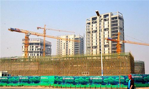 国金中心位于青岛崂山区深圳路与辽阳东路交汇处,项目占地逾5.